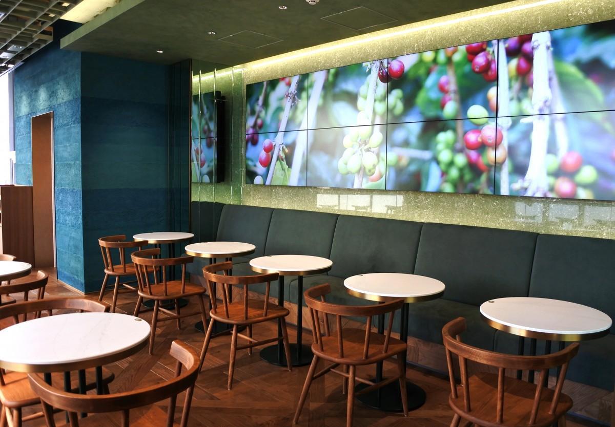 「GESHARY COFFEE 日比谷店」の店内風景