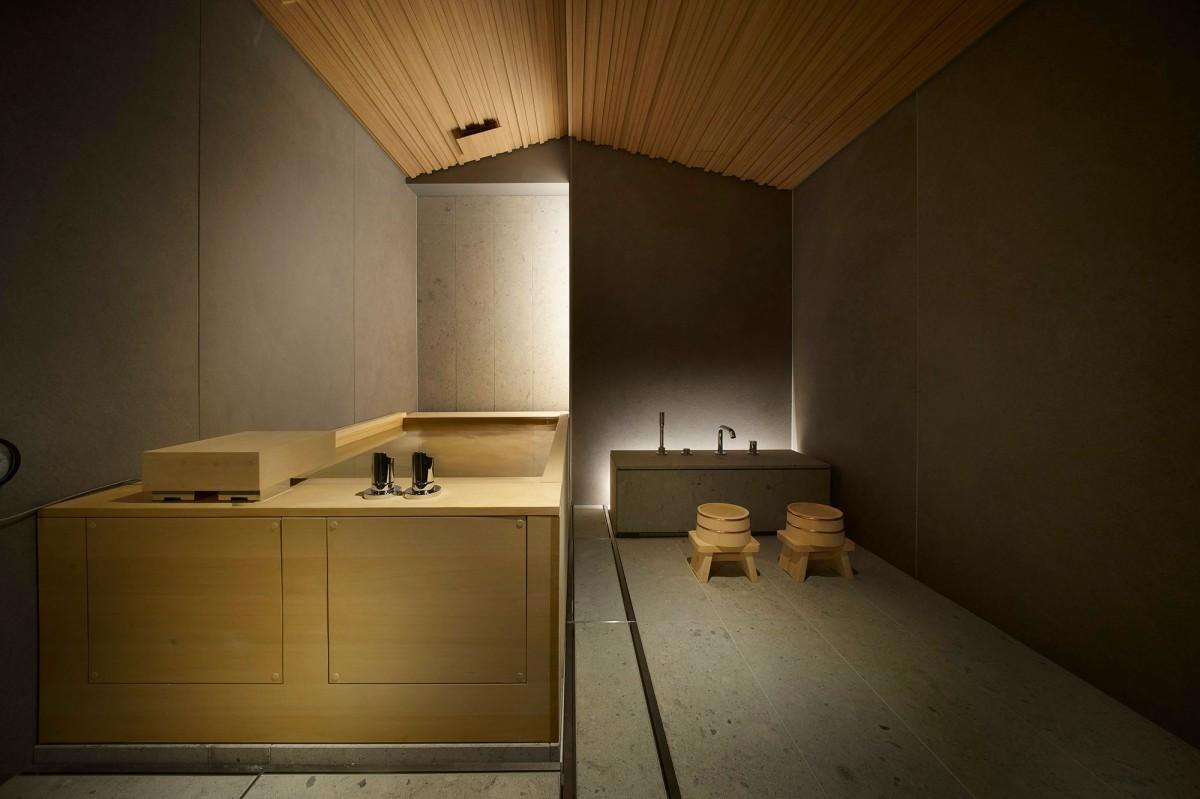 ホテル「TSUKI」の貸し切り風呂「KASUMI」