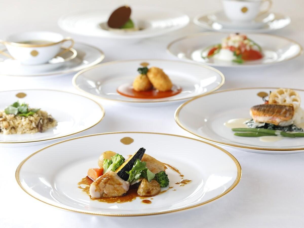 銀座本店レストランの「銀座モダンスペシャルコース」イメージ