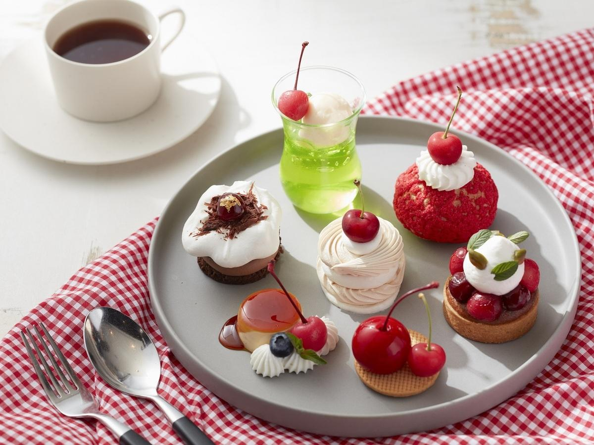 期間限定「Cherry Cake Set」