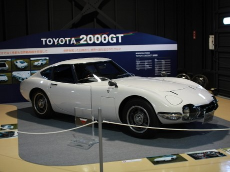 幻の名車トヨタ2000GTも展示
