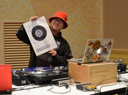 八戸出身DJ KAZUHIRO ABOの幼稚園ディスコの動画はネットで一躍話題となった。