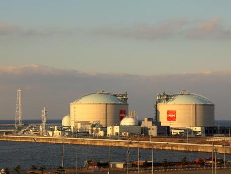 イベント主会場から眺める八戸LNGターミナル