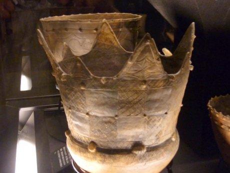市松模様が施された深鉢形土器 八戸・風張(1)遺跡より出土