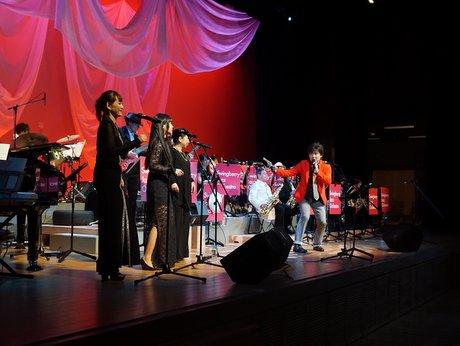 八戸でビッグバンドがアニソンコンサート さまざまな世代の300人楽しむ
