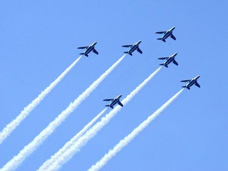 ブルーインパルス前日のテスト飛行の様子