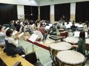 八戸の社会人吹奏楽団が30回記念演奏会 常任指揮者が就任後初