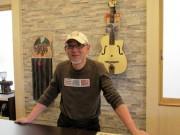 八戸にカフェ新店 プロギタリストがマスター、店内でレッスンやセッションも