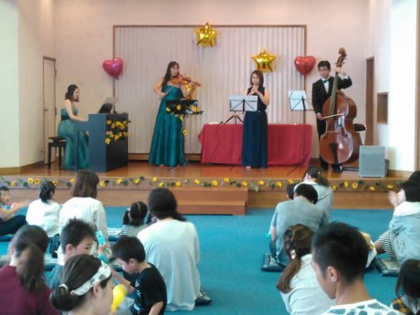 八戸の寺院でベビーコンサート 器楽演奏家ユニット「色彩スリーズ」が企画
