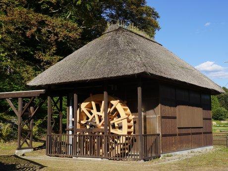 復旧した水車小屋