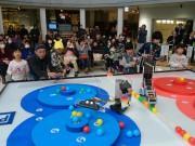 八戸で市民ロボコン大会 「8」テーマに11組が出場