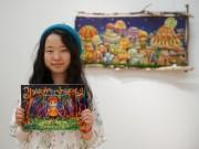 八戸で妖精アーティスト、ロナ・ラージスさん原画展 高校卒業後は海外で妖精研究も