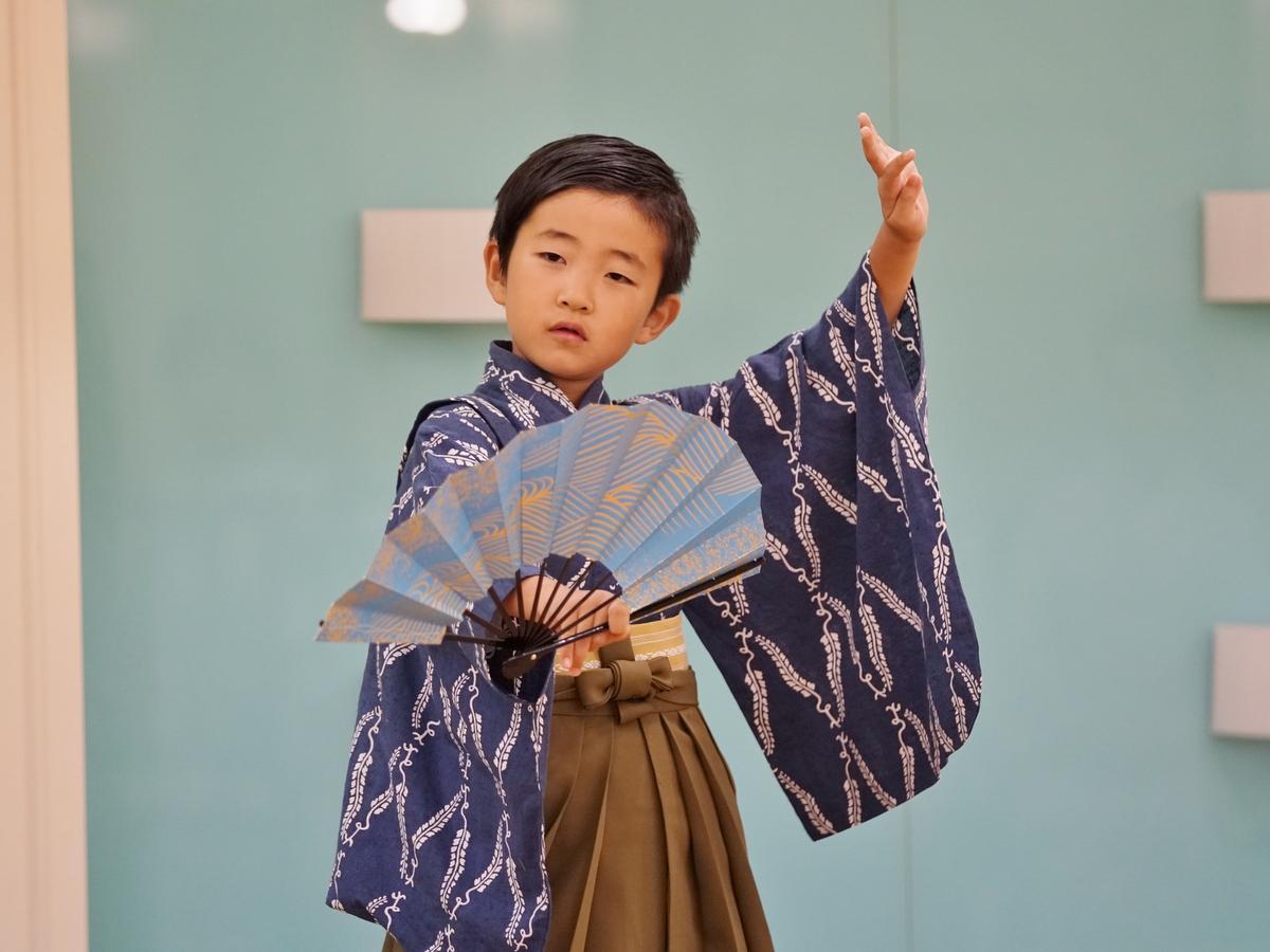 黒田節を踊る男の子