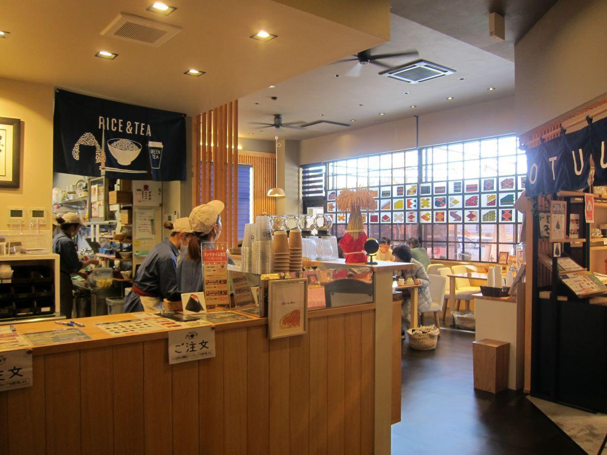 「KOMEKUUTO八戸店」カフェ