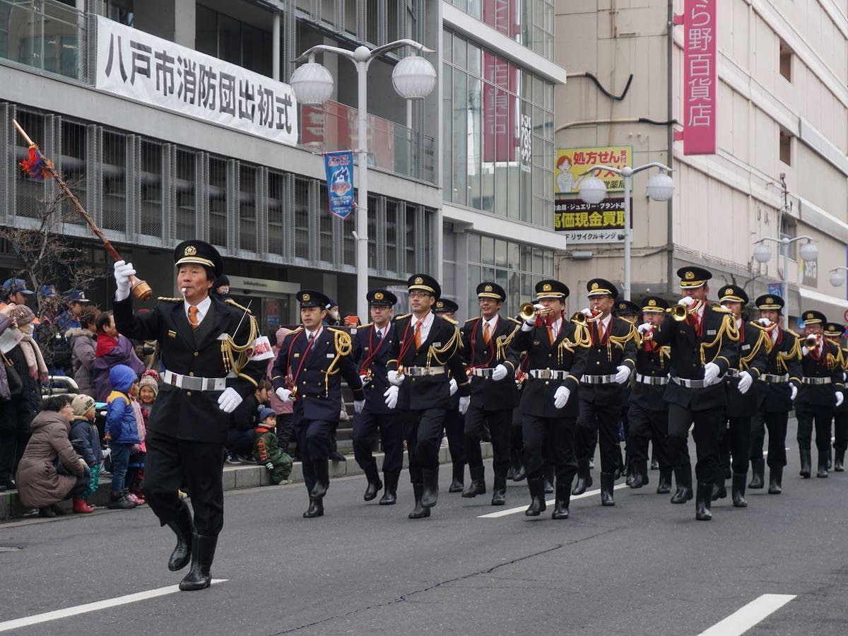 「八戸市消防団出初式」の様子