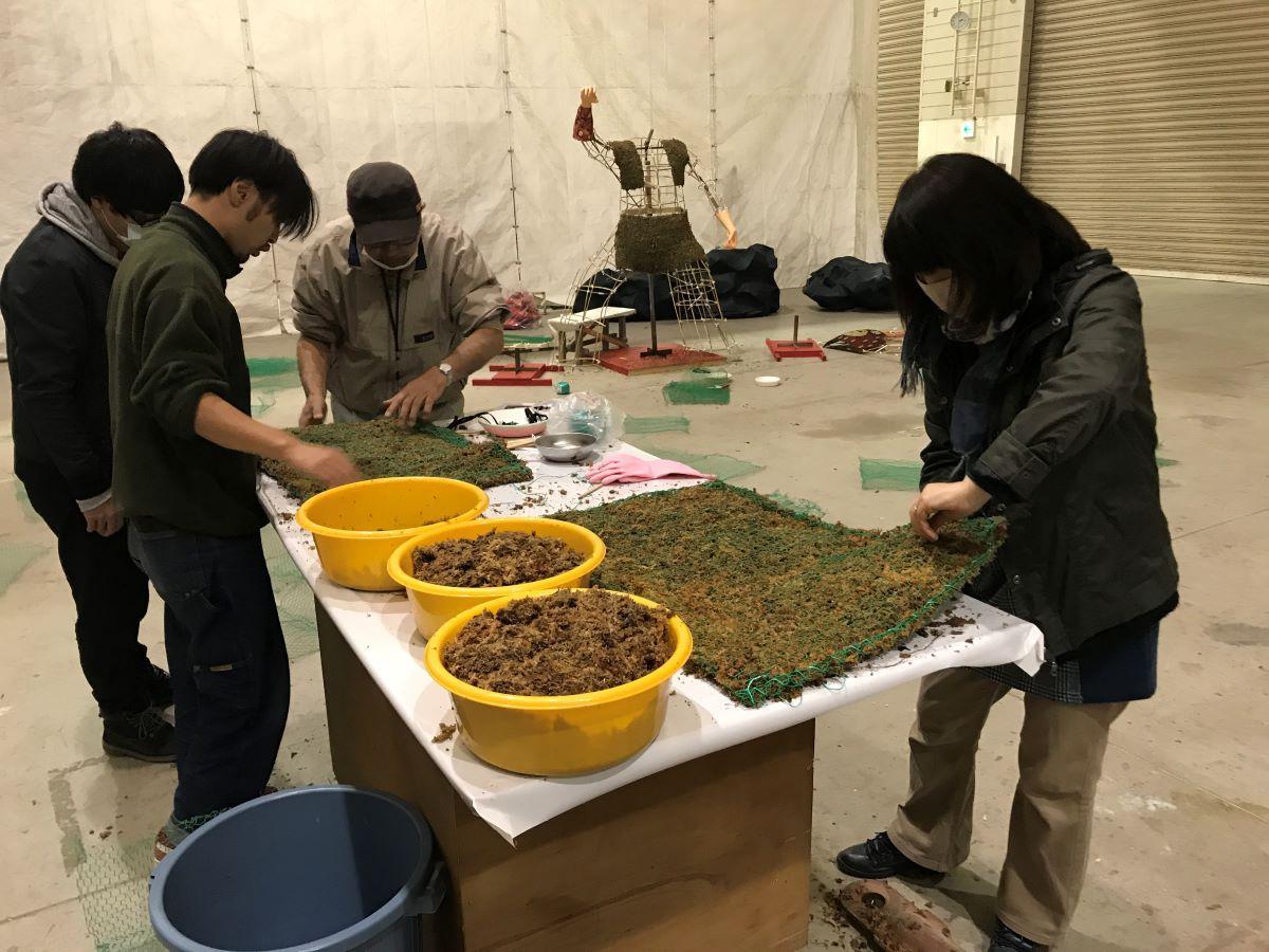 菊人形制作の様子