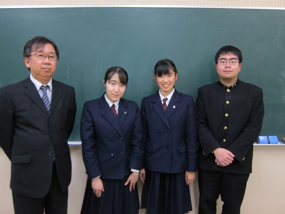 「短歌甲子園」で連覇した八戸高校文芸部