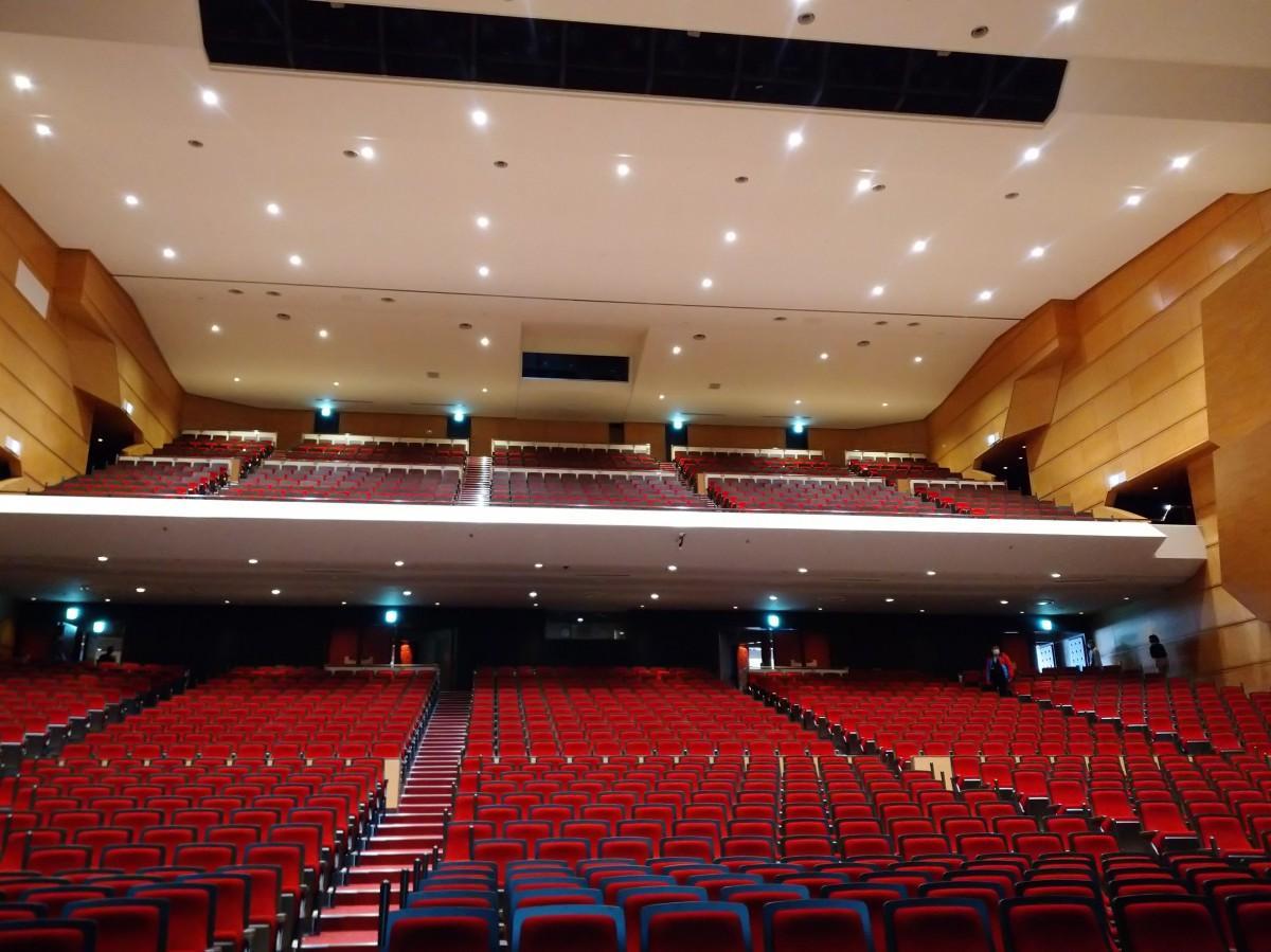耐震改修工事完了した八戸市公会堂
