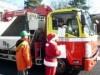八戸の高速道路で冬の交通安全運動 サンタ姿で安全運転呼び掛け