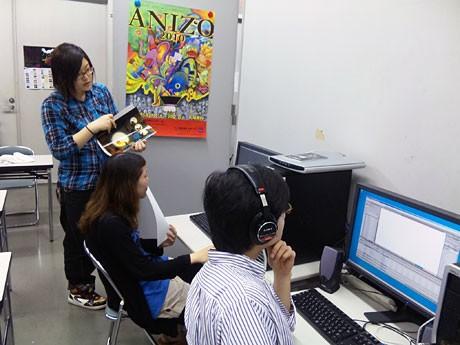 イベントに向けて活動する学生たち