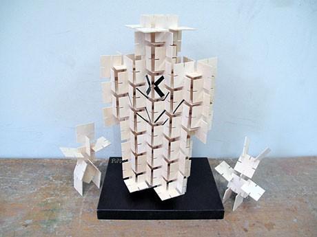 東京造形大学「春日ゼミ」の学生による作品。教授に加え、ゼミに所属する20人以上の学生が参加
