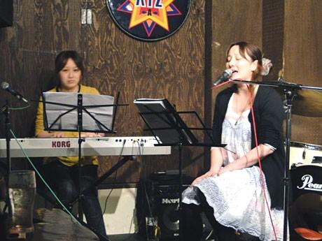 カラオケでの楽曲配信が始まる「Lovers in rubbersole」