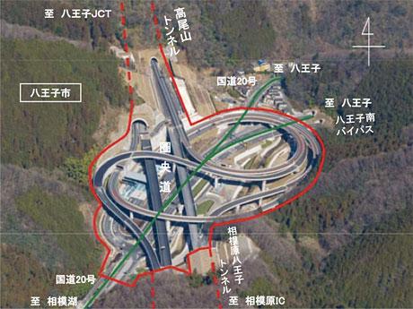 6月に相模原愛川インターチェンジまでの間が結ばれる高尾山インターチェンジの様子