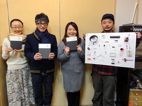 「JIMOTO」を手掛けた望月さん(中央左)、坂本さん(中央右)、中村さん(最左)、鈴木さん(最右)