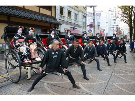 ユーロードでは、八王子芸妓衆による「人力車お練り巡行」も予定