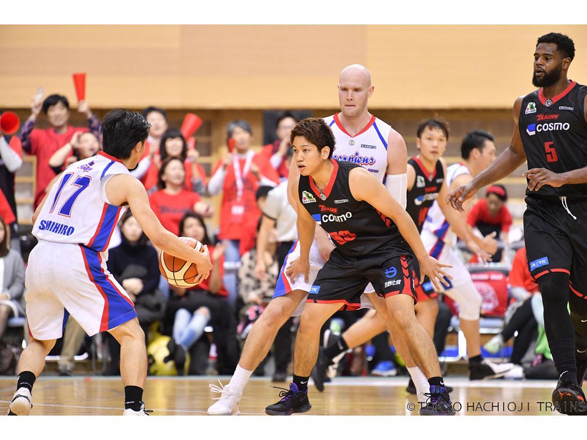 2日の試合では大城選手(中央)が16ポイントを獲得し勝利に貢献(写真提供=東京八王子トレインズ)
