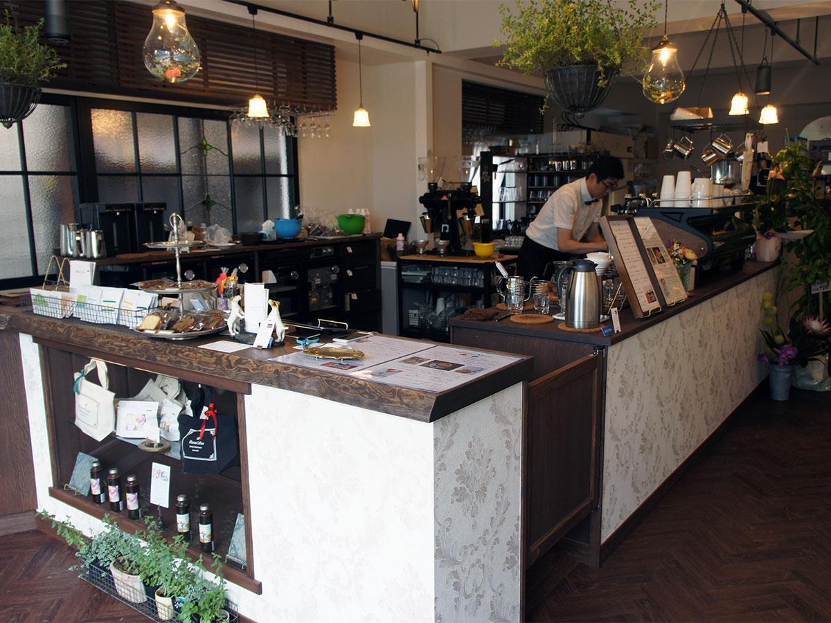 新しい「カザーナコーヒー」の店内