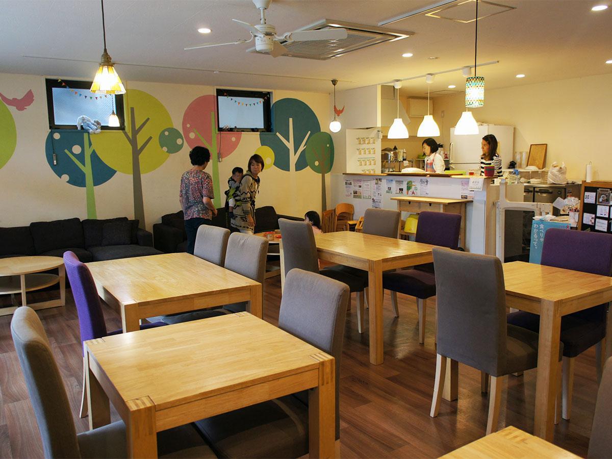 「おもちゃカフェ dattochi」の店内