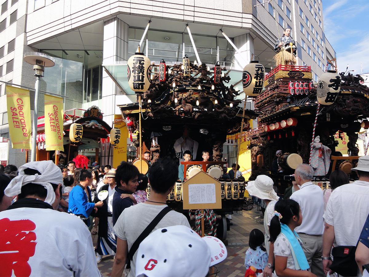 八王子の中心市街地で行われる「八王子まつり」