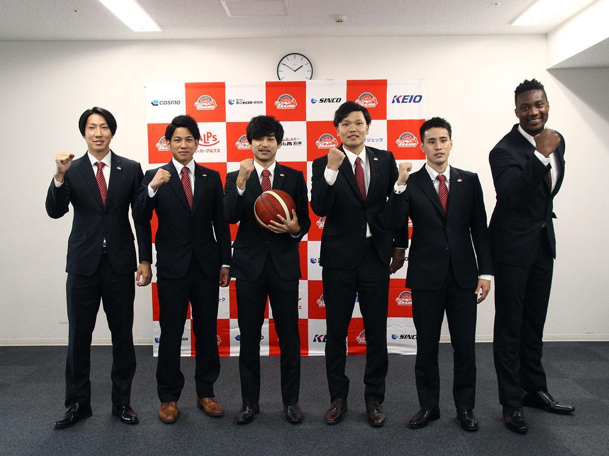 来シーズンに挑む東京八王子ビートレインズの選手たち(写真提供=東京八王子ビートレインズ)