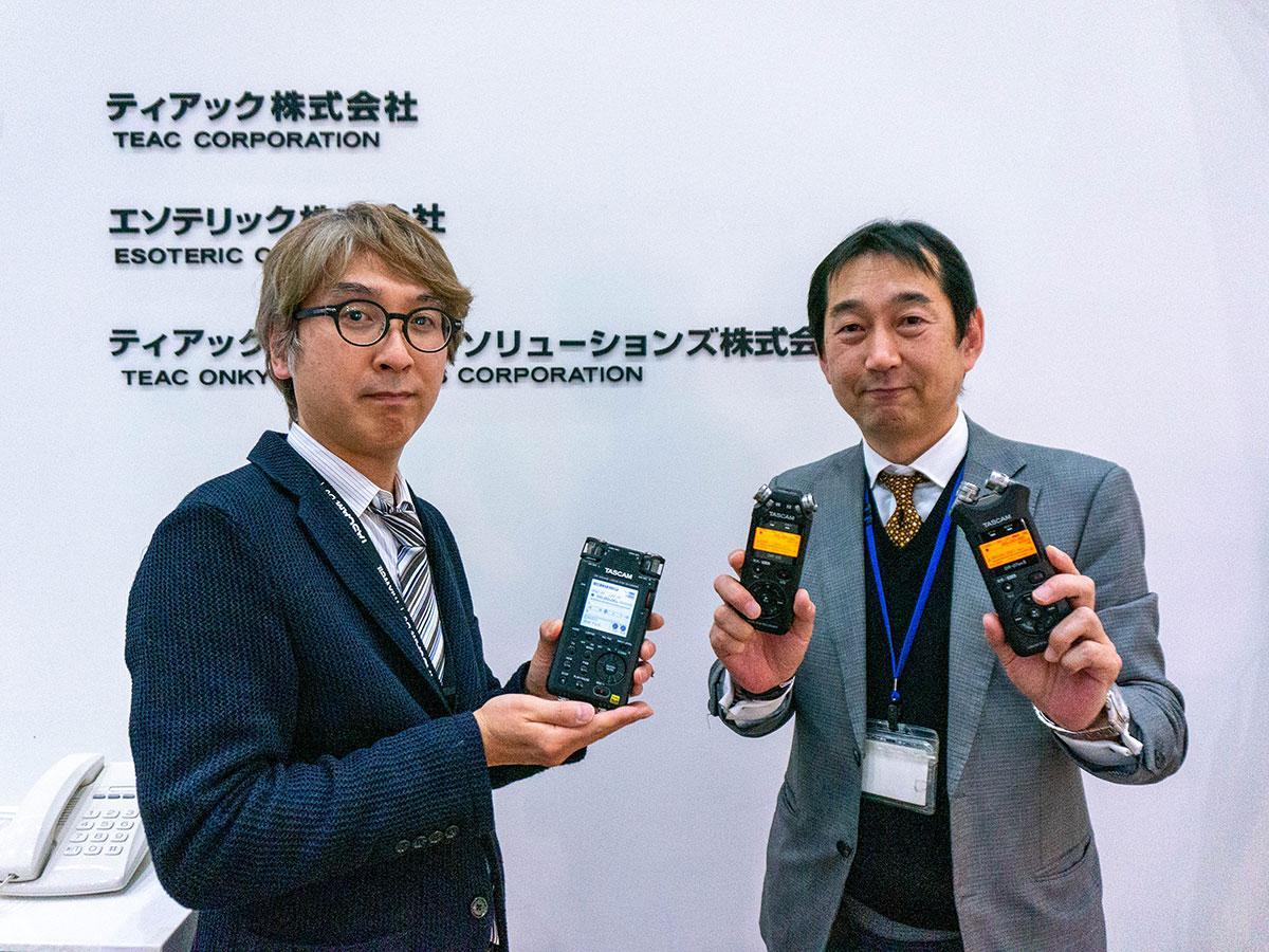 SLの音収録に携わったティアックの山本さん(右)と花田さん