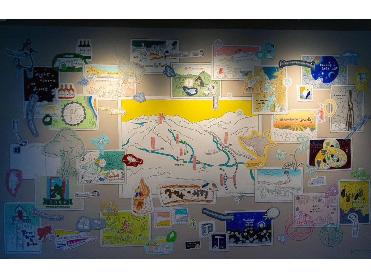リノベーションを始める前に作られた施設のコンセプトアートを1階に飾る