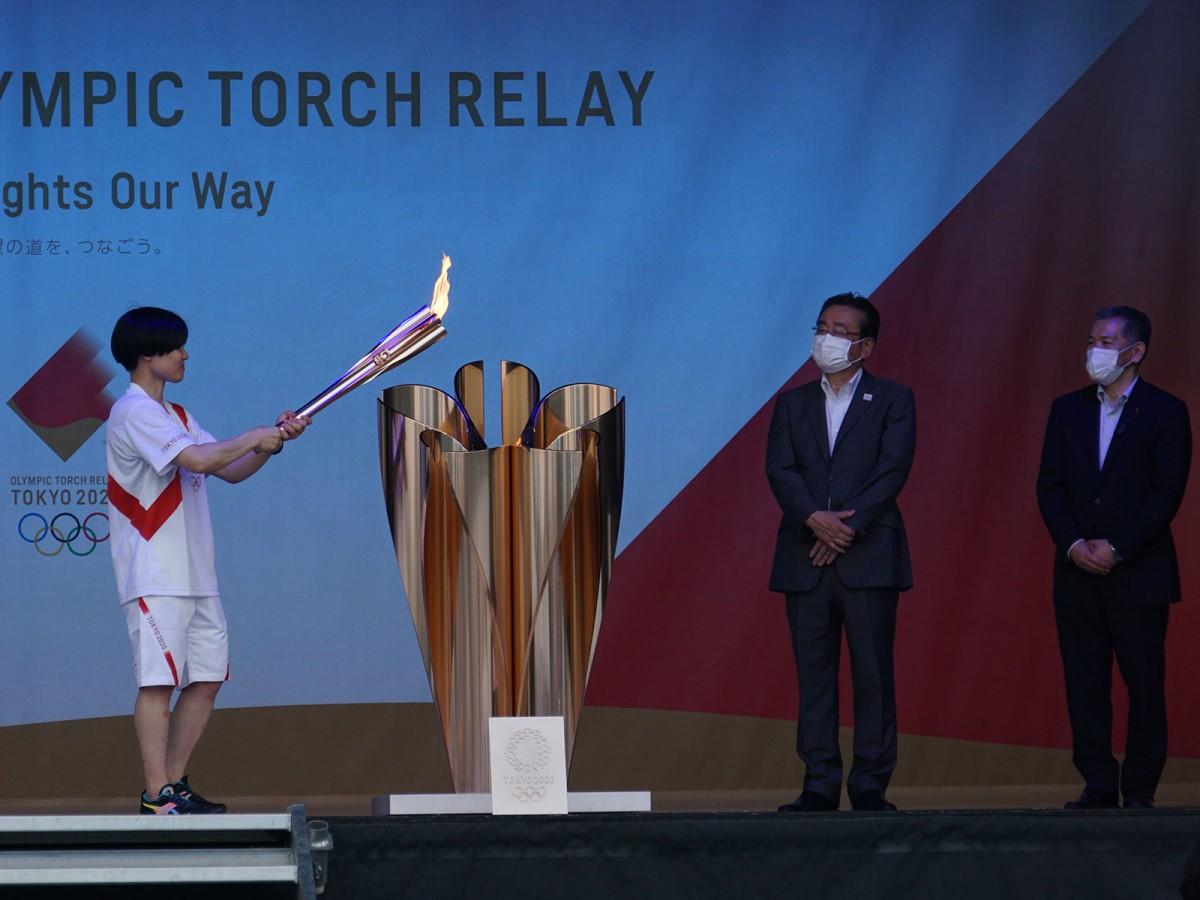 区間最終ランナーで北京五輪・リオデジャネイロ五輪の柔道銅メダリストの中村美里さんがステージへ。
