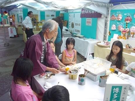 昨年の同イベントの様子。親子連れや観光客を中心に1万人が訪れる大盛況になった。