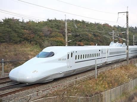 新大阪~鹿児島中央を約4時間で結ぶ予定の「さくら」。