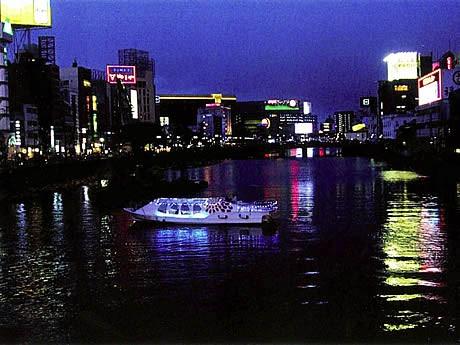 那珂川水上バス「福博みなとであい船」の運航が開始
