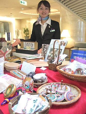 博多エクセルホテル東急ロビーに売店「しゃれとんしゃあ」がオープン