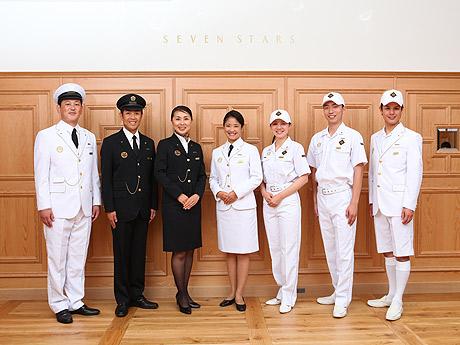 クルーズトレイン「ななつ星in九州」の制服