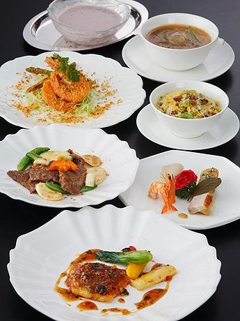 福岡市内4ホテルで合同イベント「中国料理ホテルクルーズ」が開催(写真はグランドハイアット福岡のディナー)