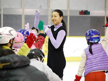 フィギュア・浅田真央さんが博多でスケート教室