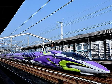 エヴァンゲリオン新幹線「500TYPE EVA」好評で1年間延長へ