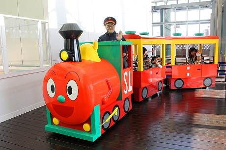福岡アンパンマンこどもミュージアムに「SLマン」 ロードトレイン運行へ