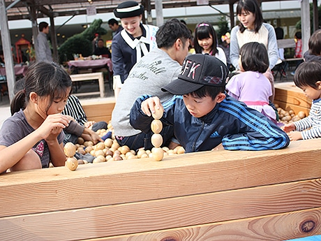 JR博多駅前広場で大川家具の「木工まつり」 ワークショップも