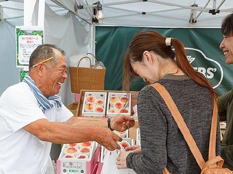 JR博多駅前広場で「博多FARMERS' MARKET」が開催