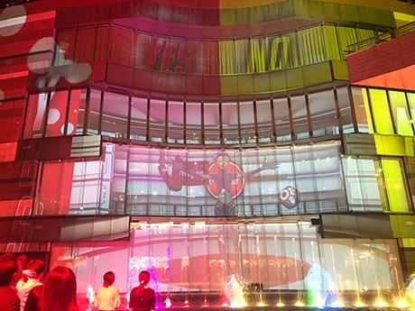 キャナルシティ博多でUSJクイズを盛り込んだ新エンターテインメントショーがスタート