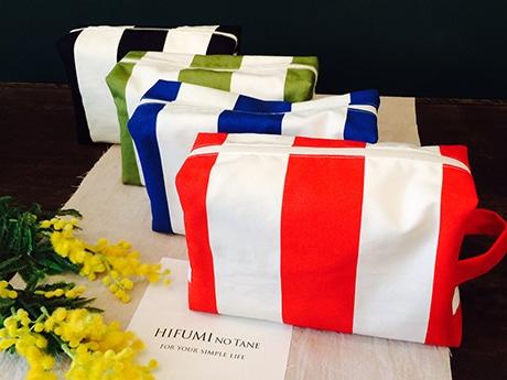 おむつポーチなどの雑貨をそろえるブランド「hifumiのたね」